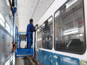 WALL-MAN pneumatic access platform train