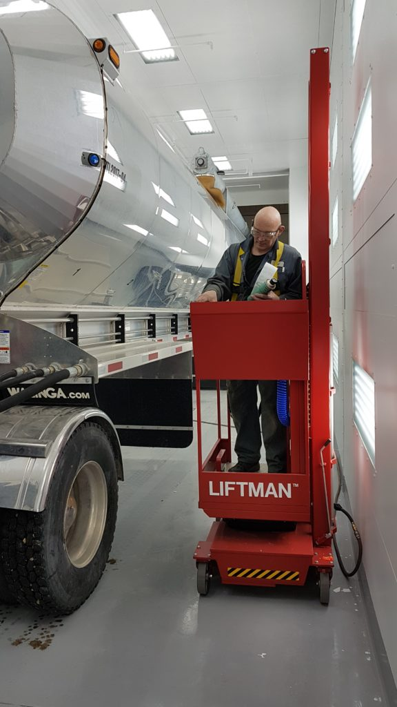 Liftman in preperation booth
