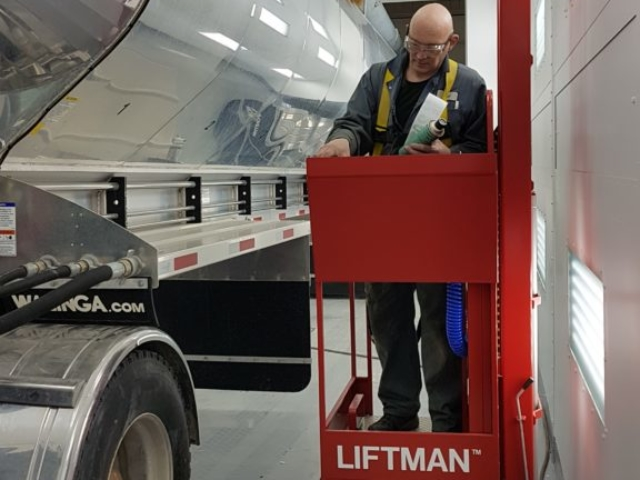 Liftman pneumatic man lift for work on oil tankers