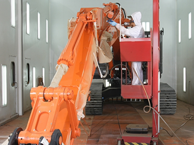 Liftman pneumatic man lift for painting excavators